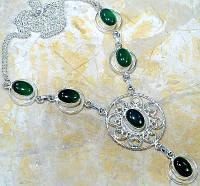 Серебряное ожерелье с хризопразом