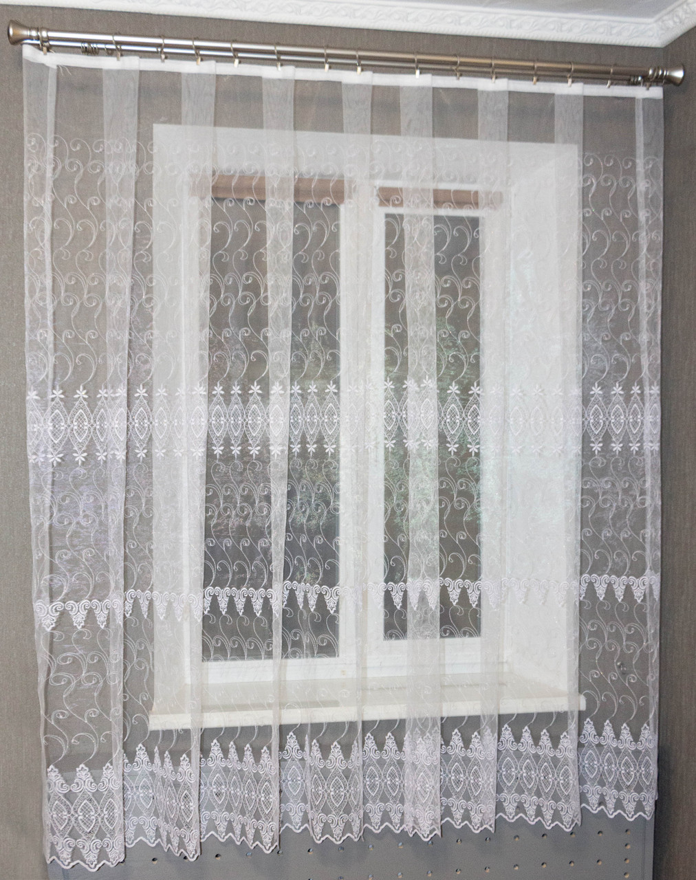 Кухонная тюль короткая белая с вышивкой