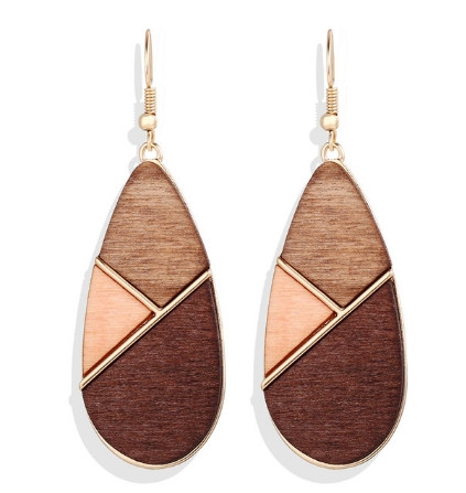 Модные деревянные серьги