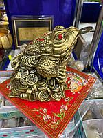 Статуэтка Денежная Жаба на монетах, лягушка на монетах - символ богатства и материального благополучия