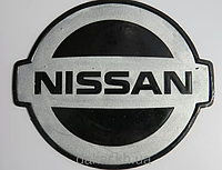 Антискользящий силиконовый коврик на торпедо с логотипом Nissan
