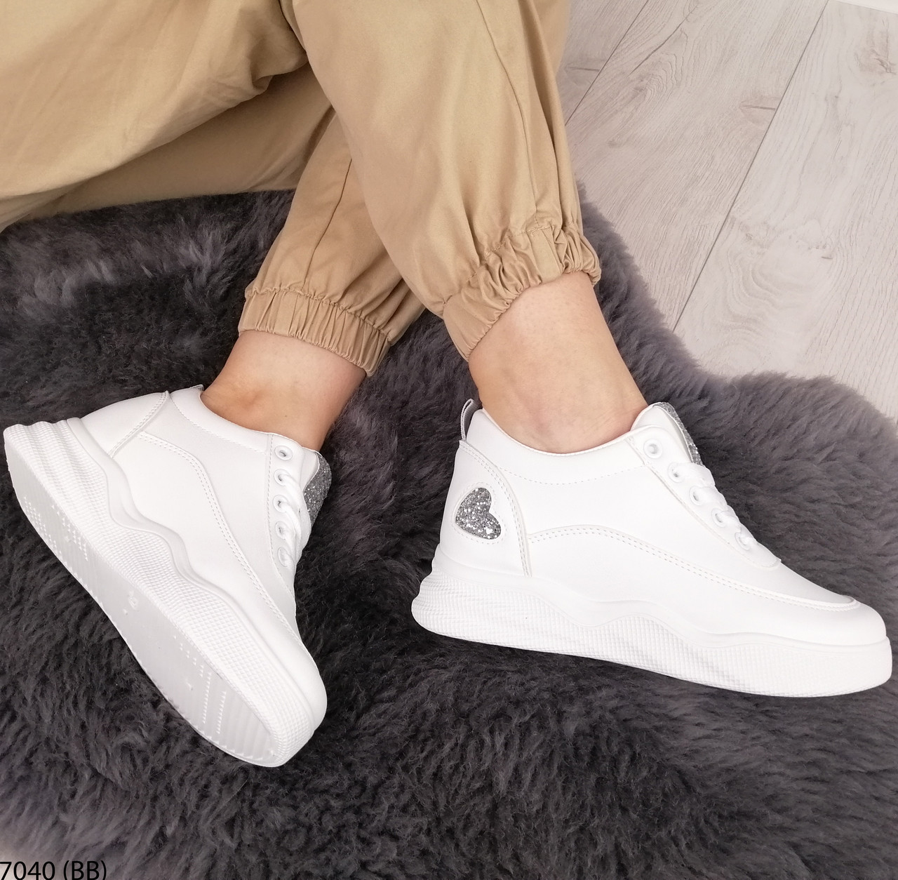 Кросівки жіночі снікерси