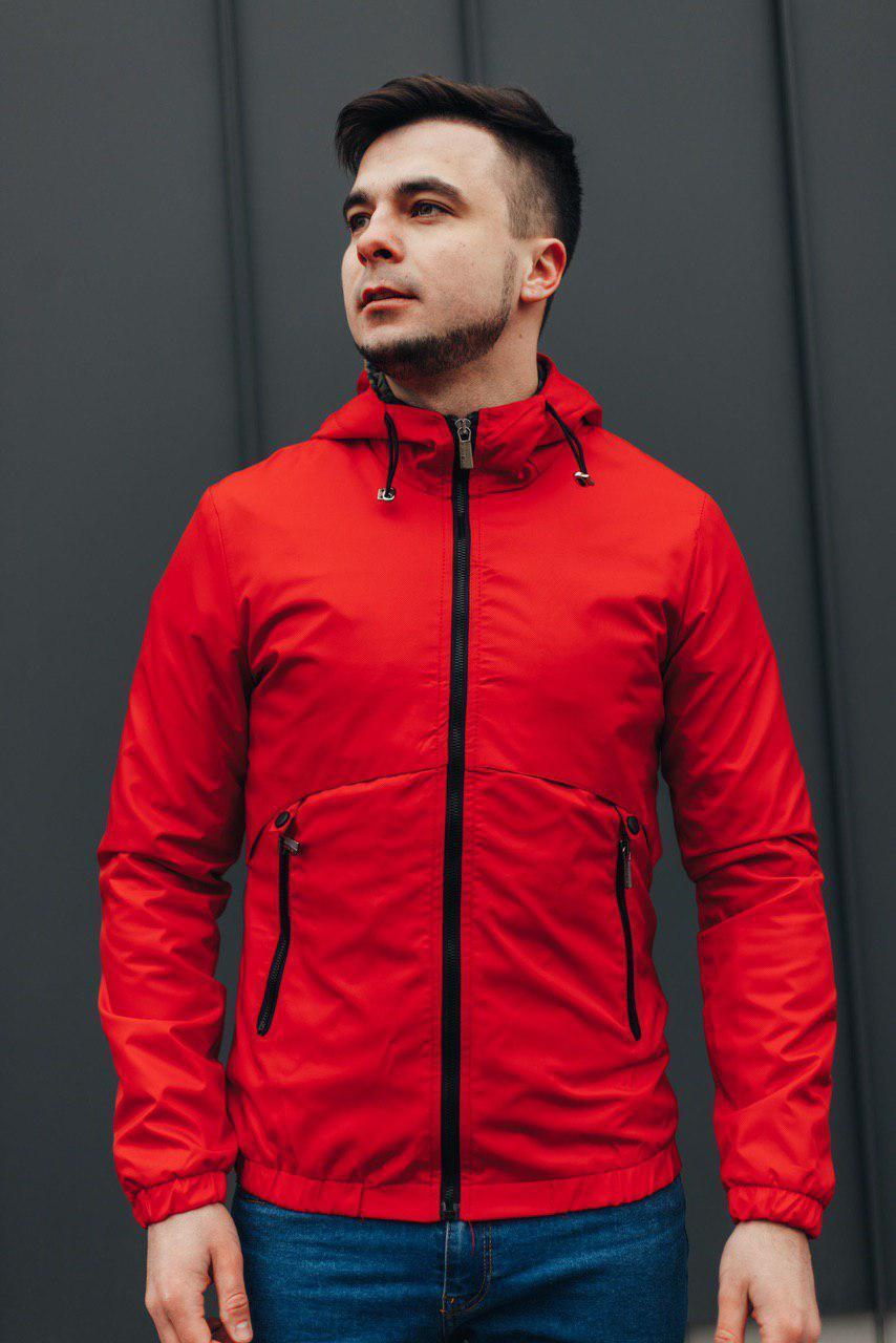 Демисезонная красная  куртка