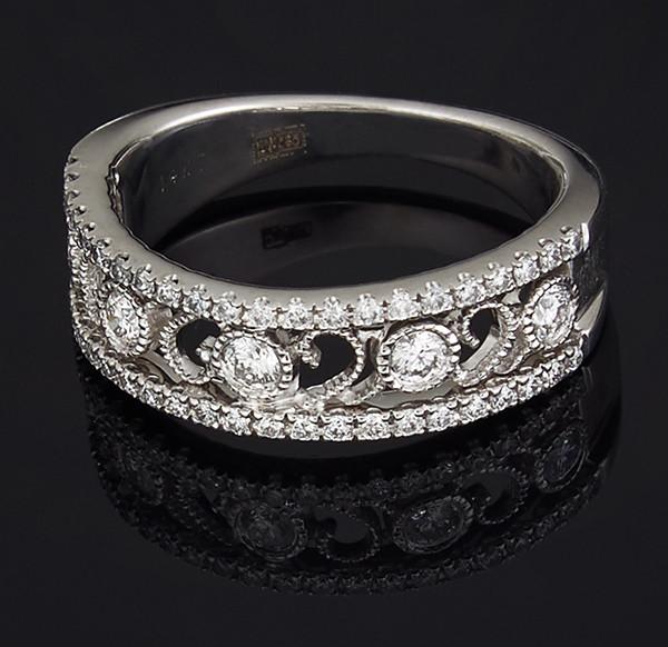 Жіноче кільце з білого золота з діамантами С40Л1№5