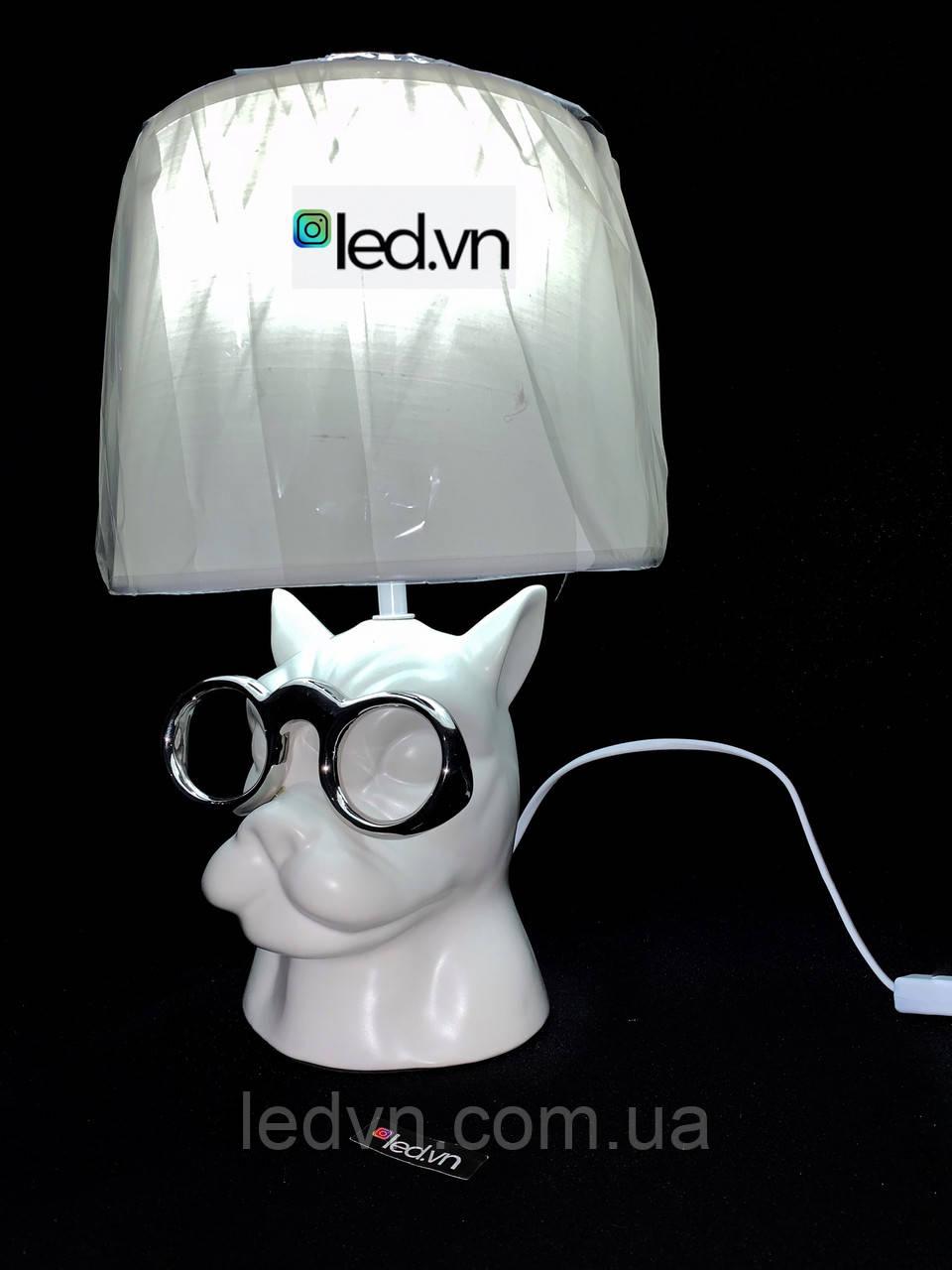 Современная настольная лампа собака в очках белая