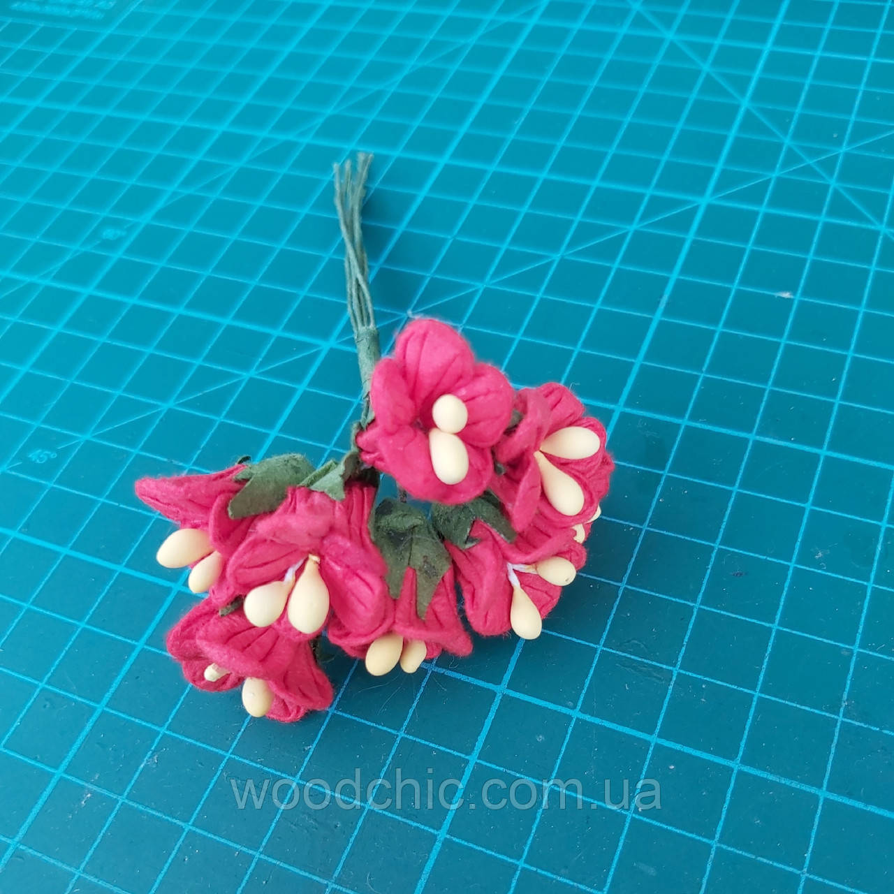 Цветы бумажные 06