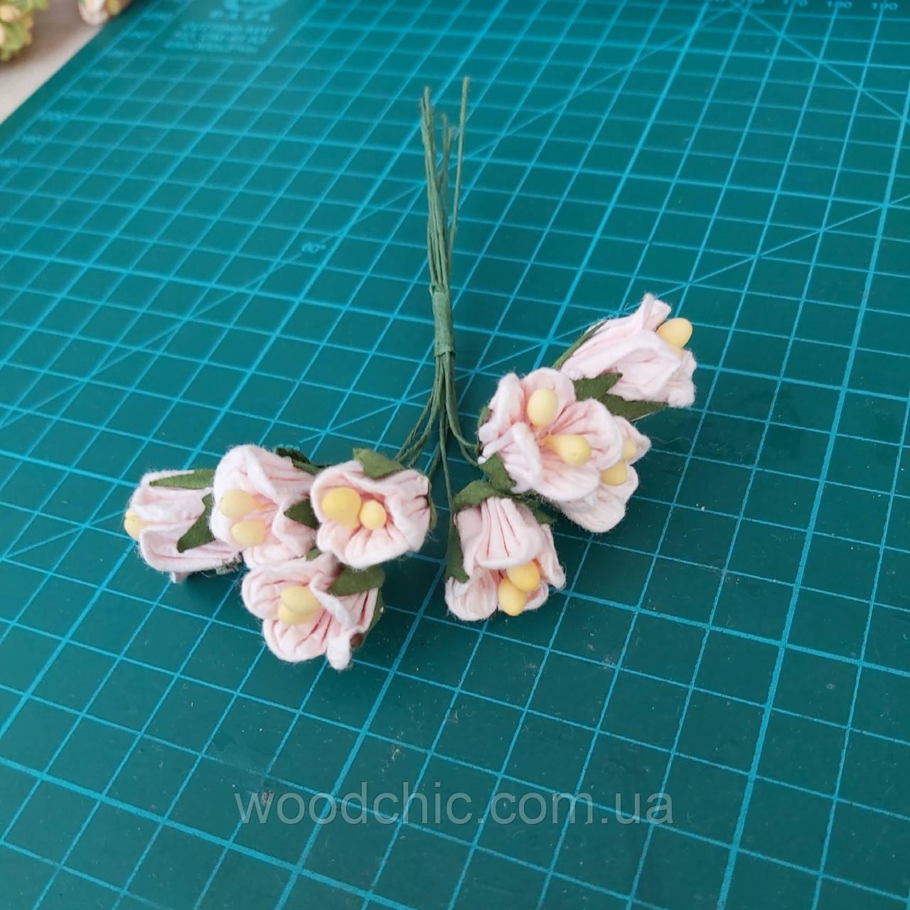 Цветы бумажные 07 розовый