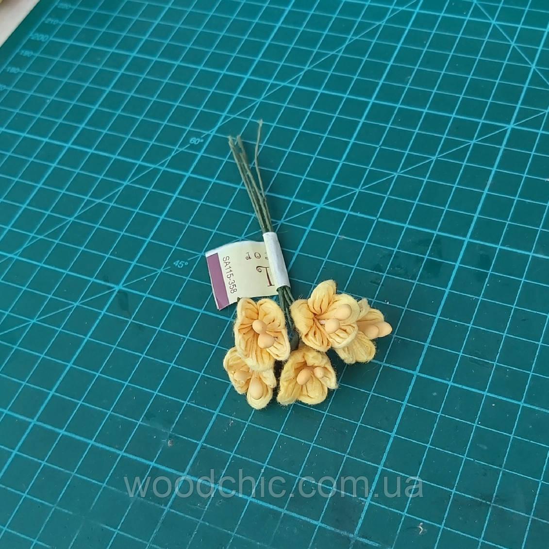 Цветы бумажные 08