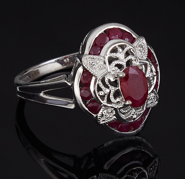 Золотое кольцо с бриллиантами и рубинами С39Л1№14