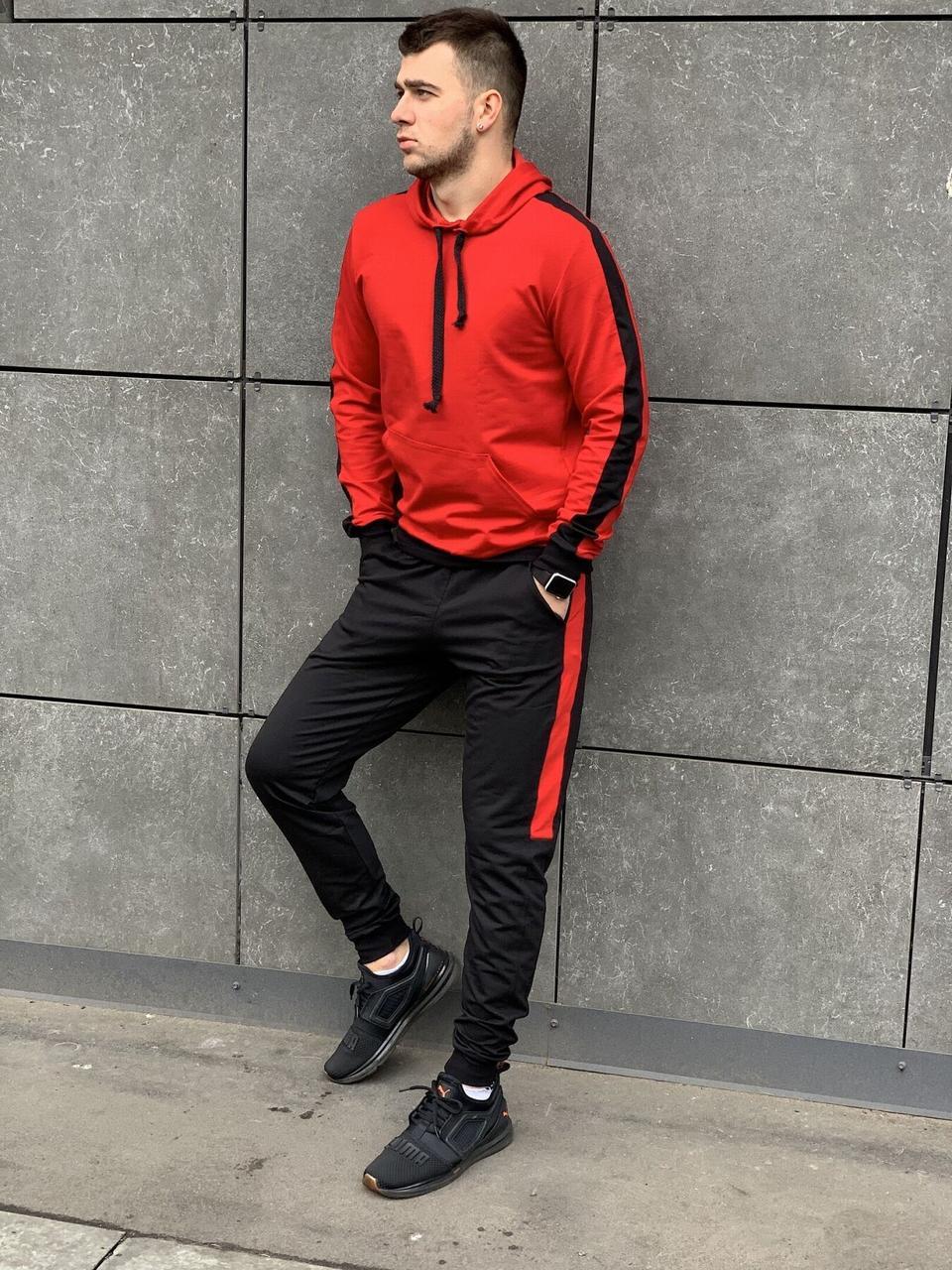 Мужской спортивный костюм с лампасами красный