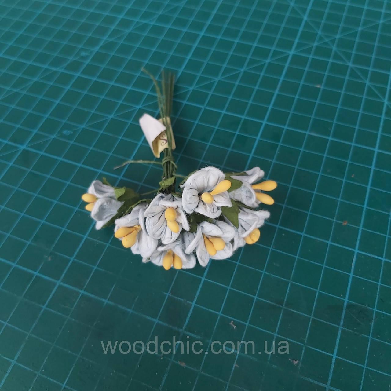 Цветы бумажные 16