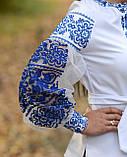 Шикарна жіноча вишита блуза в українському стилі в білому кольорі із блакитною вишивкою «Бохостиль хрестиком», фото 4
