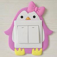 Декоративная наклейка на стену  (включатель, выключатель, розетку) в детскую, сад Розовый пингвин R015