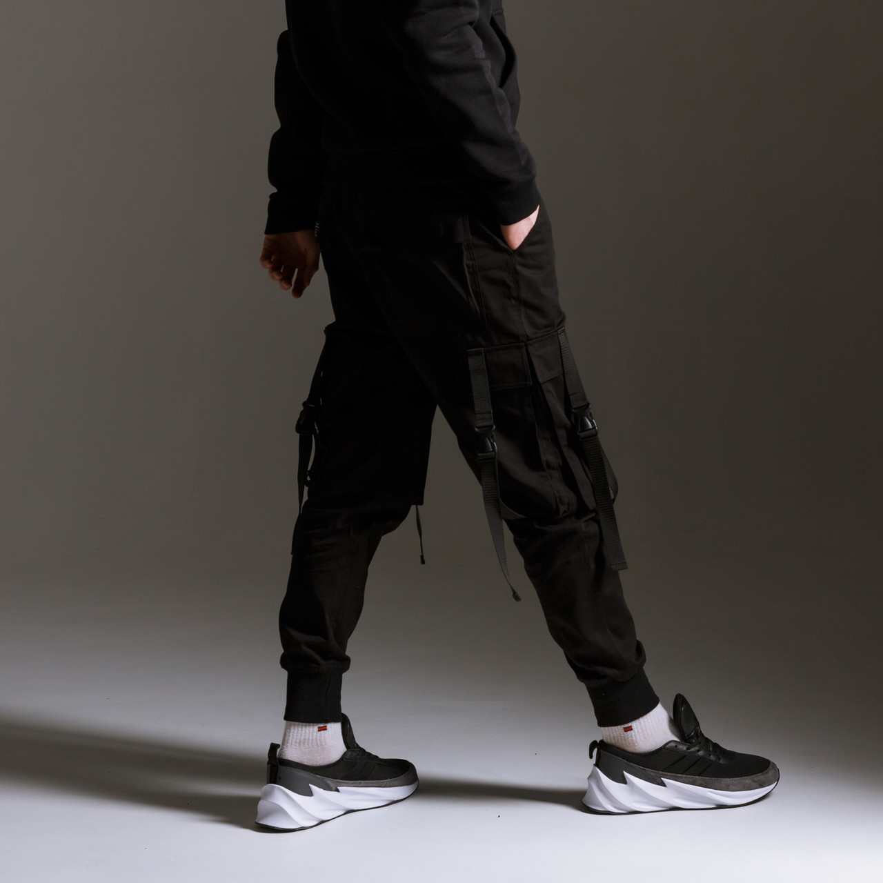 Карго штаны (джоггеры) мужские черные с лямками бренд ТУР модель Ёсида (Yoshida)