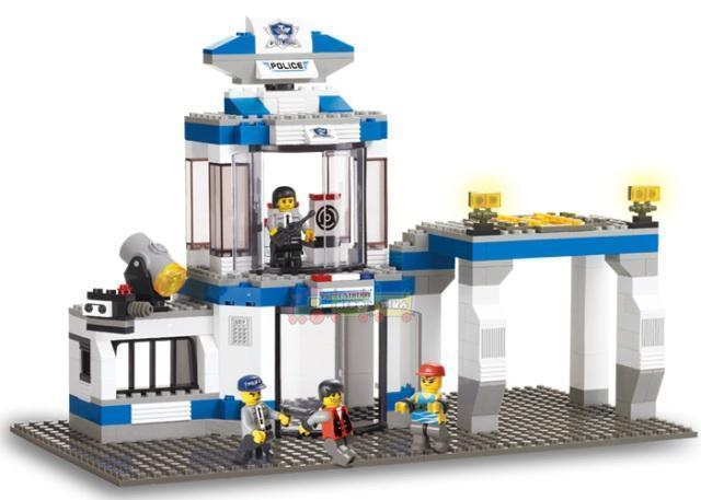Конструктор LEGO (Sluban) - Полицейский участок.  Большой набор 583 деталей. Свет прожектора, звуковой сигнал.