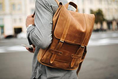 Місткий чоловічий міський рюкзак з натуральної шкіри