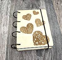 Блокнот Сердечки обложка из фанеры на кольцах, 60 листов, А5 формат