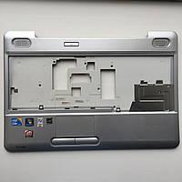 Верхняя панель с тачпадом топкейс для ноутбука Toshiba Satellite L500 б/у AP073000E00