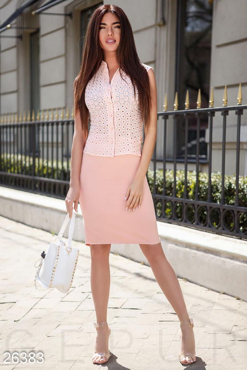 Летний деловой костюм с юбкой-карандаш розовый