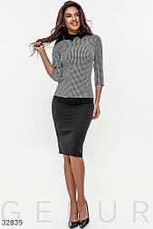 Офисный костюм с юбкой карандаш черно-белый