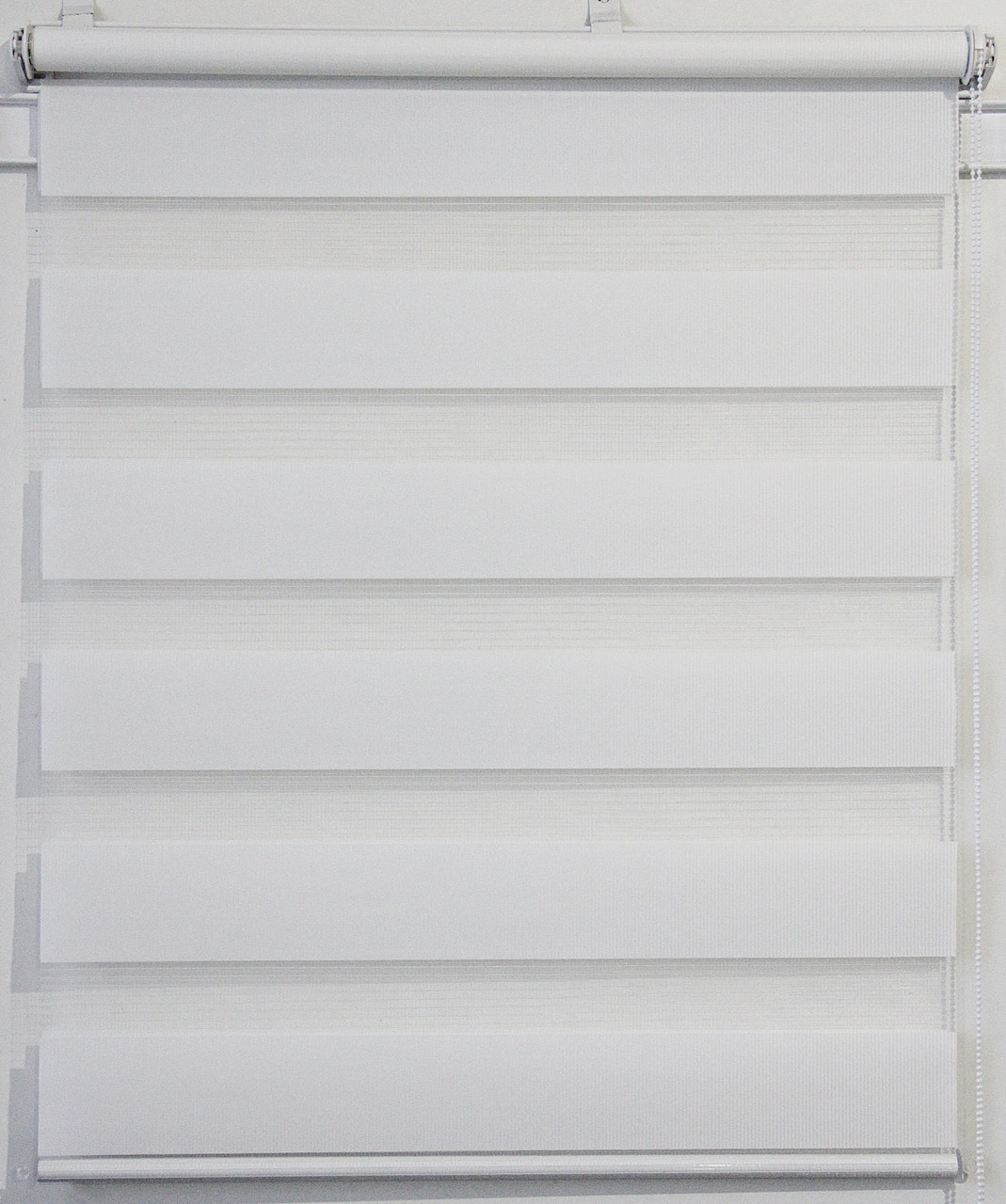 Готовые рулонные шторы 1300*1300 Ткань ВН-01 Белый