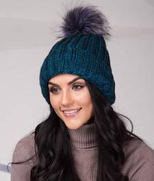 Жіночі шапки з помпоном