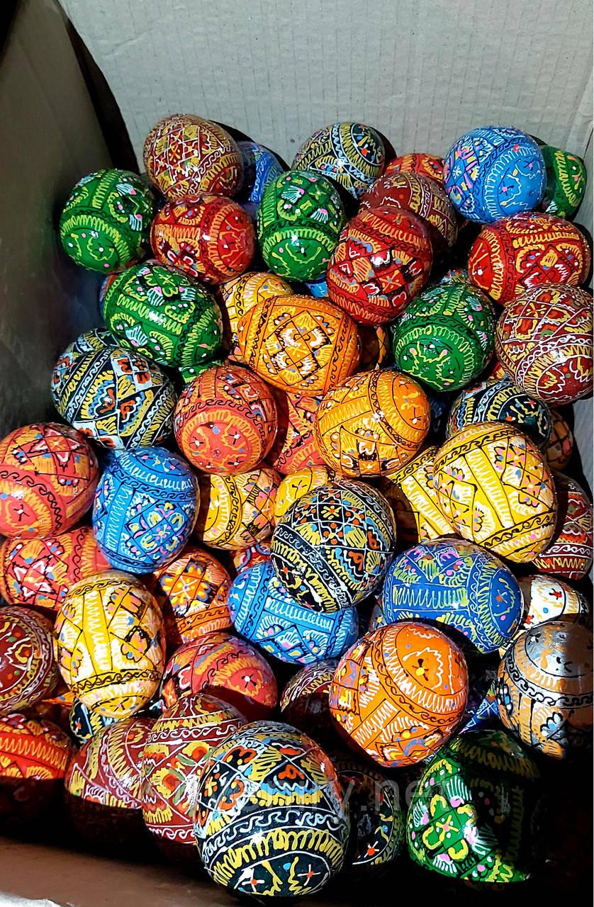 Дерев'яні великодні яйця різні кольори