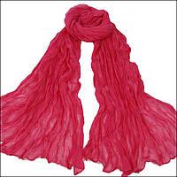 Легкий жатый шарф красный
