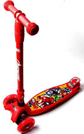 Самокат Maxi Scooter Disney Супер Герои Marvel Avengers с наклоном руля складной ручкой, фото 2