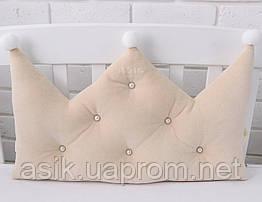 Бортик-корона в дитяче ліжечко бежевого кольору