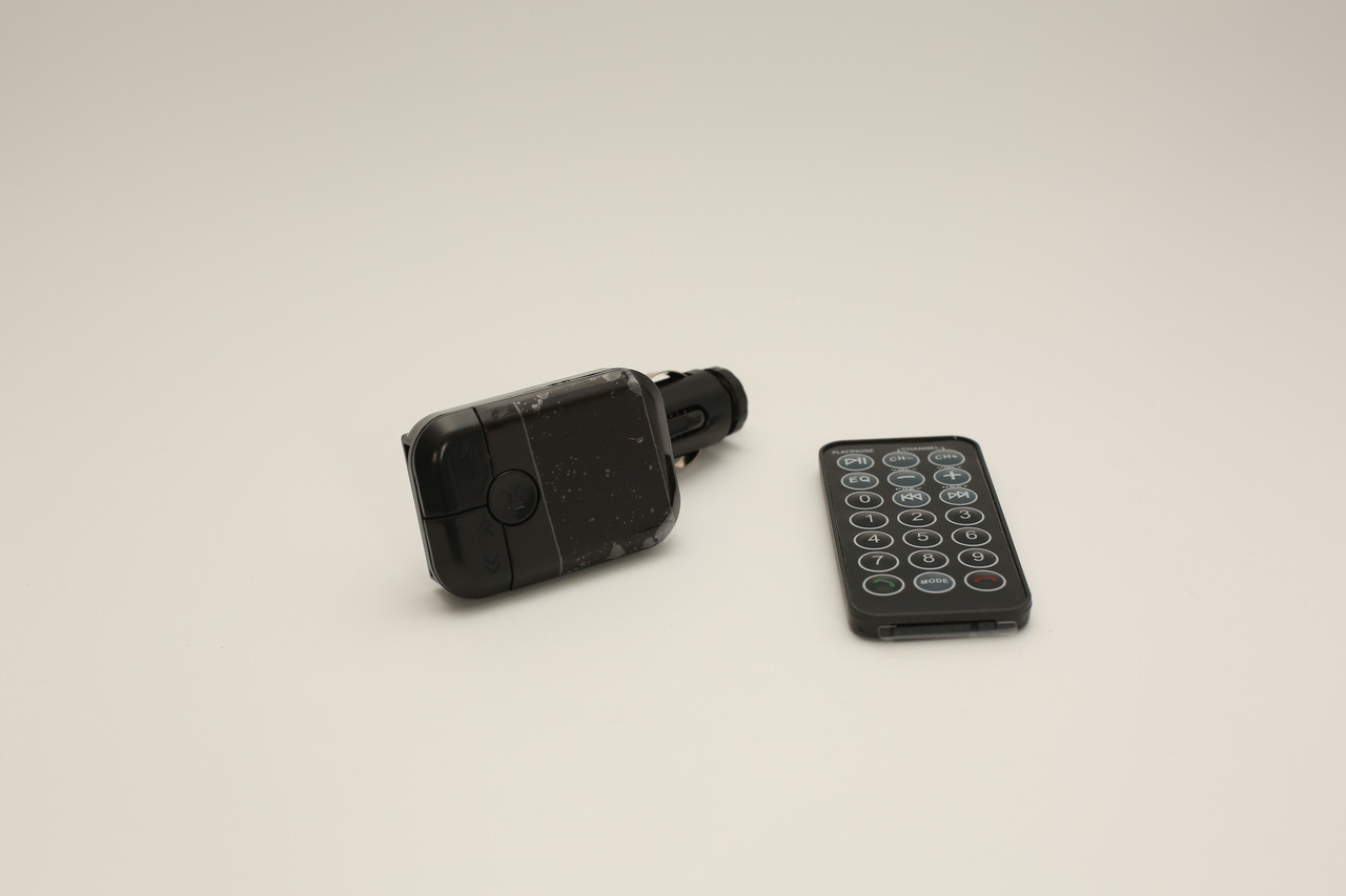ФМ модулятор, трансмиттер автомобильный FM в авто Bluetooth 2 USB пульт