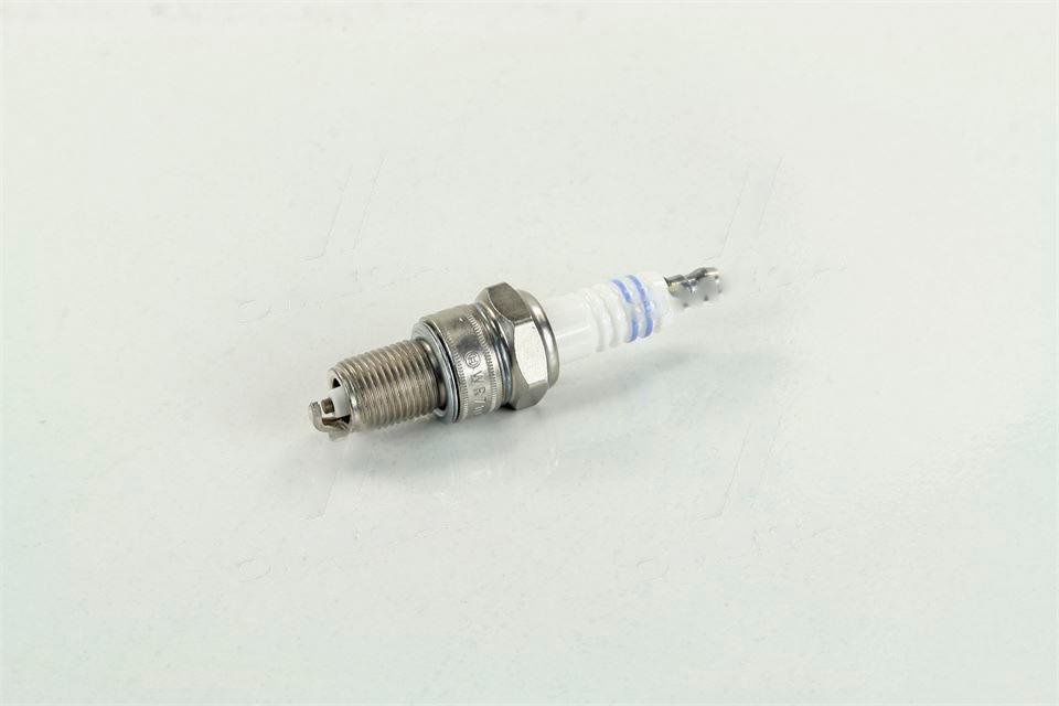 Свеча зажигания BOSCH WR7DCЕ ВАЗ 2110, 2111, 2112-10 (Bosch). 0 242 235 663