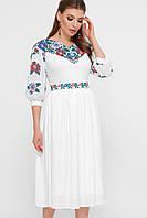 Нежное белое платье миди  с цветочным принтом