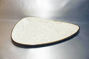 "Треугольная тарелка фарфоровая Kutahya Porselen ""Corendon"" 320х200 мм (CR3332), фото 2"