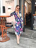 Легкое летнее платье на запах, (48-50рр), миди, за колено, принт красные пионы на синем, фото 4