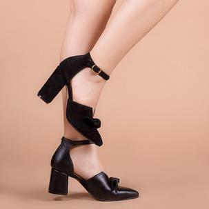 Туфлі жіночі із закритим носком на підборах ремінцем і бантом розміри 36-40, фото 2