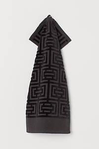 ТМ TAG Полотенце махровое Labirint черное 30х50