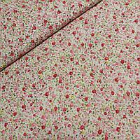 Поплин с мелкими розовыми и красными розами на молочном фоне, ширина 150 см