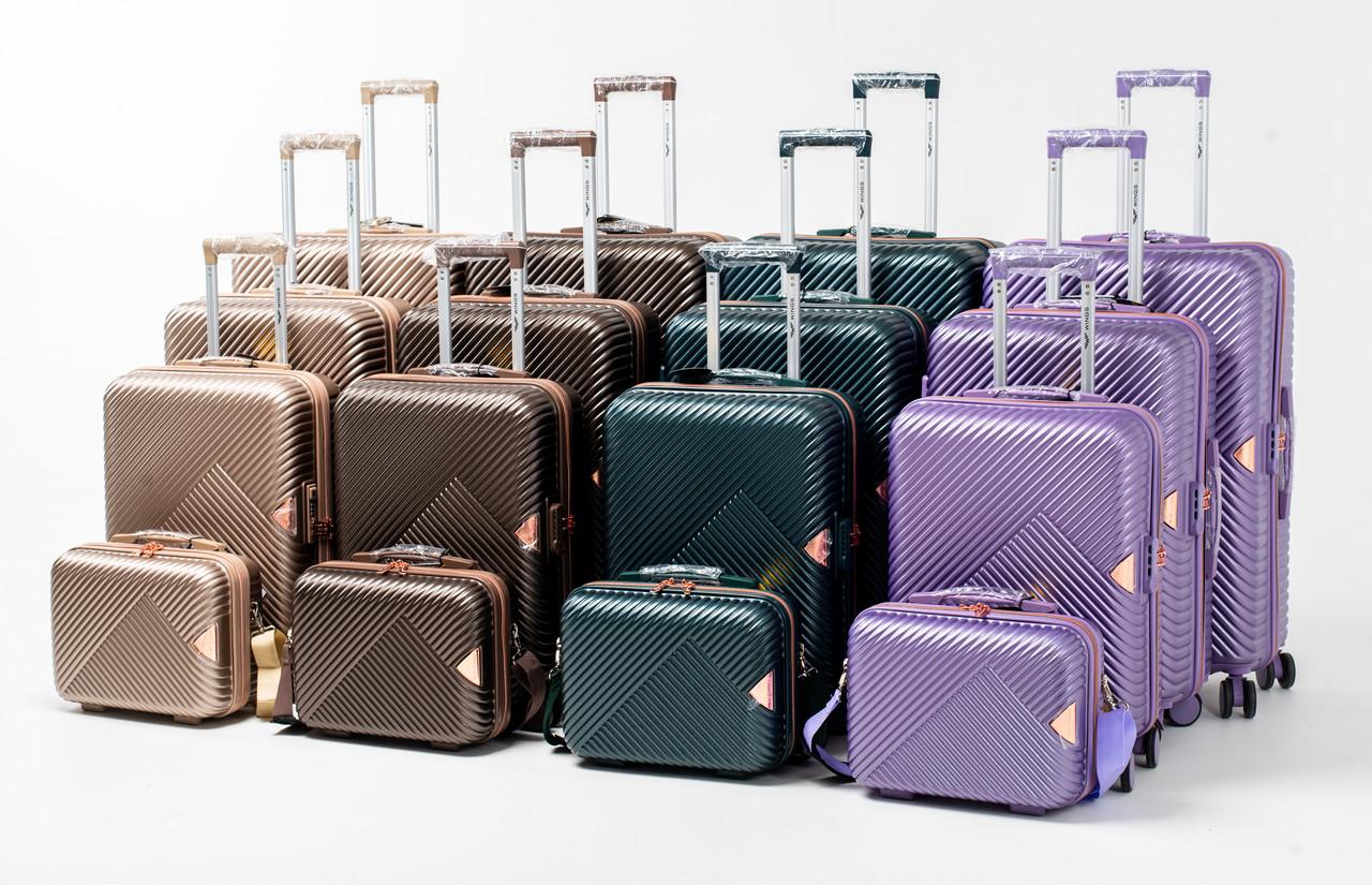 Большой чемодан Wings Dove WN01