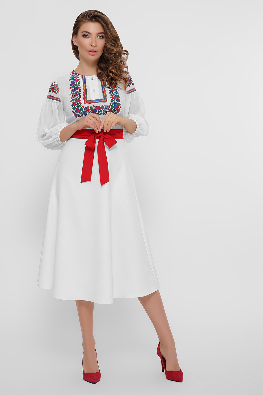 Белое платье в украинском стиле