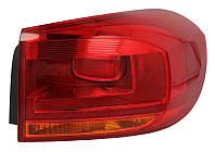 Фонарь задний правый Vw Passat B7 (Europe, седан) 2011 - 2015 внешний, светлая полоска LED, P21W/W16W/LED, +