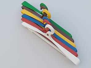 Довжина 42 см. Вішаки пластмасові Гем-6 різні кольори,10 штук в упаковці одного кольору