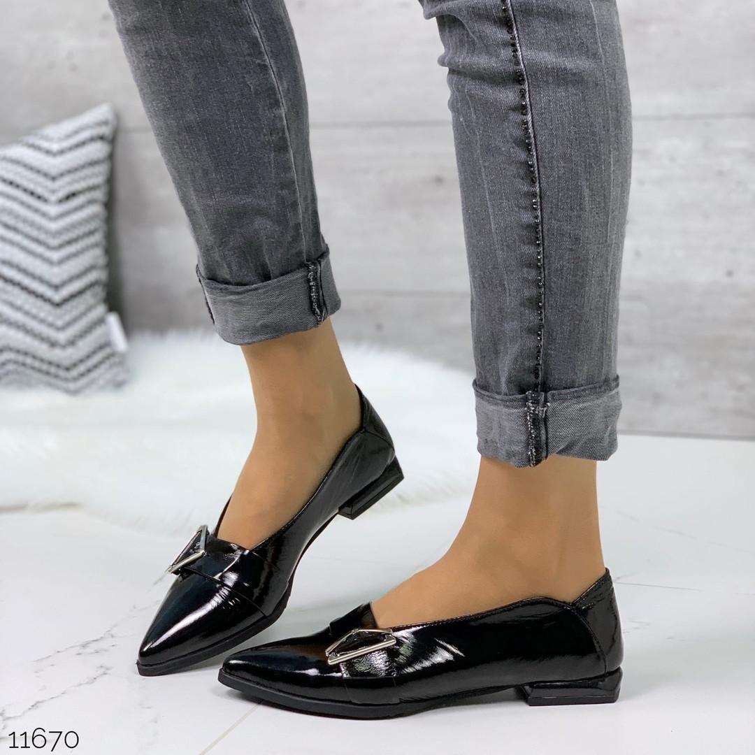 Туфли с пряжкой женские