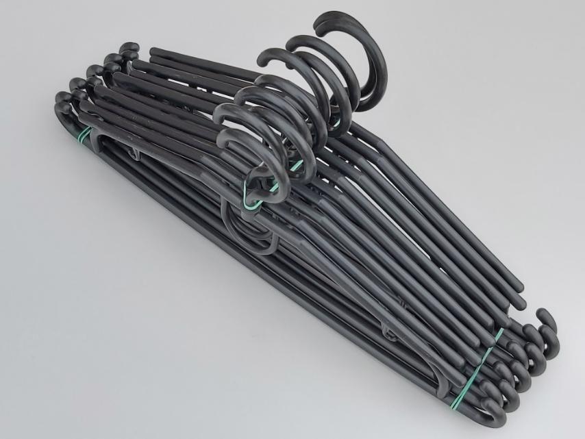 Плічка вішалки тремпеля V-D39 чорного кольору довжина 39 см, в упаковці 10 штук