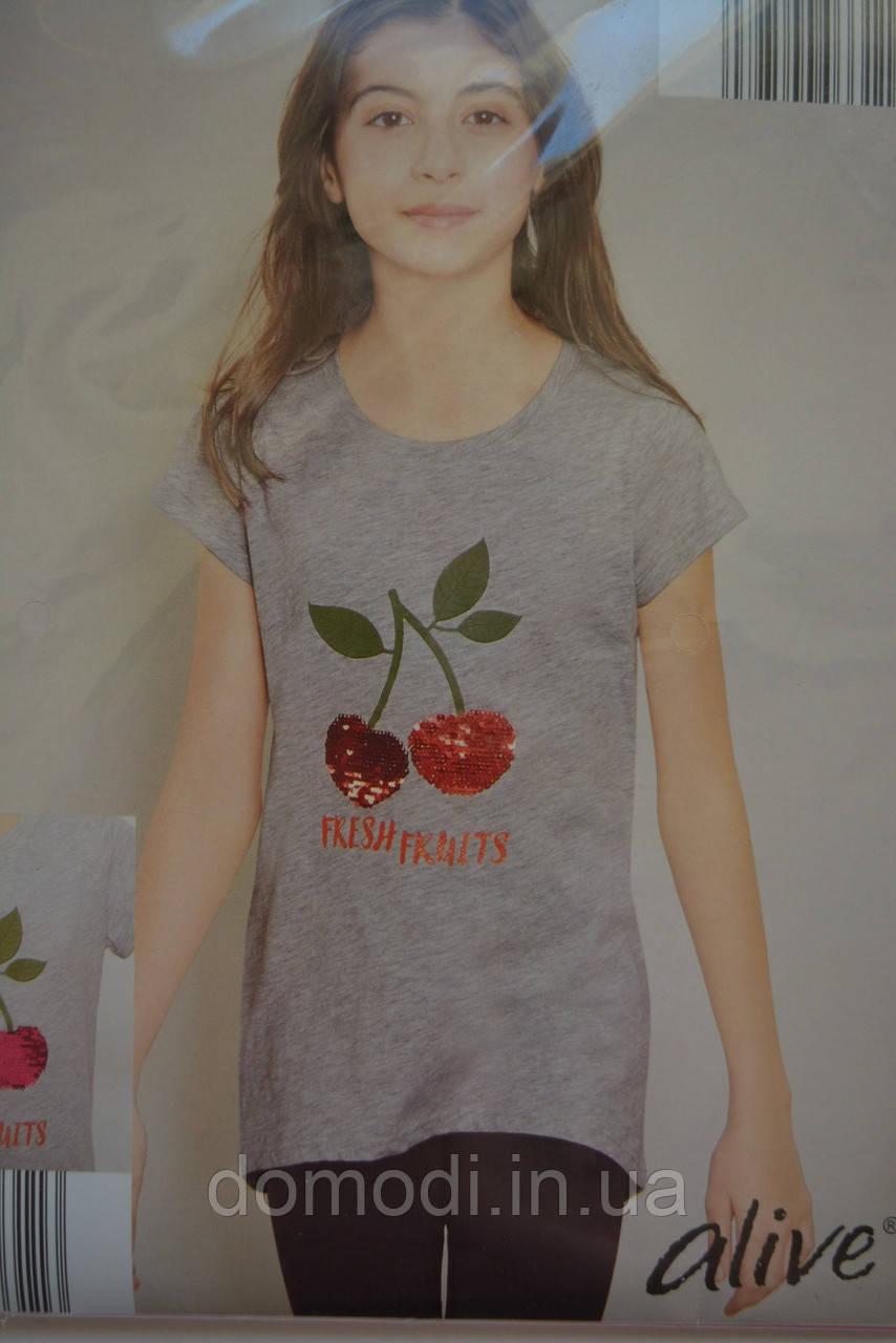 Сіра футболка з паєтками фірми Alive (бавовна) 7 років