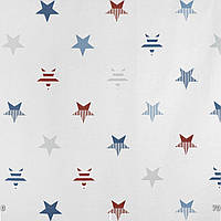 Декоративная ткань с голубыми и красными звездами на белом фоне
