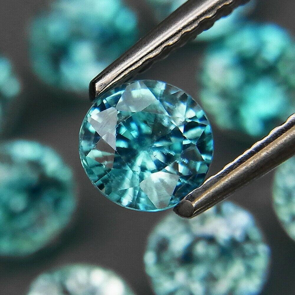 Голубой циркон натуральный 5 mm