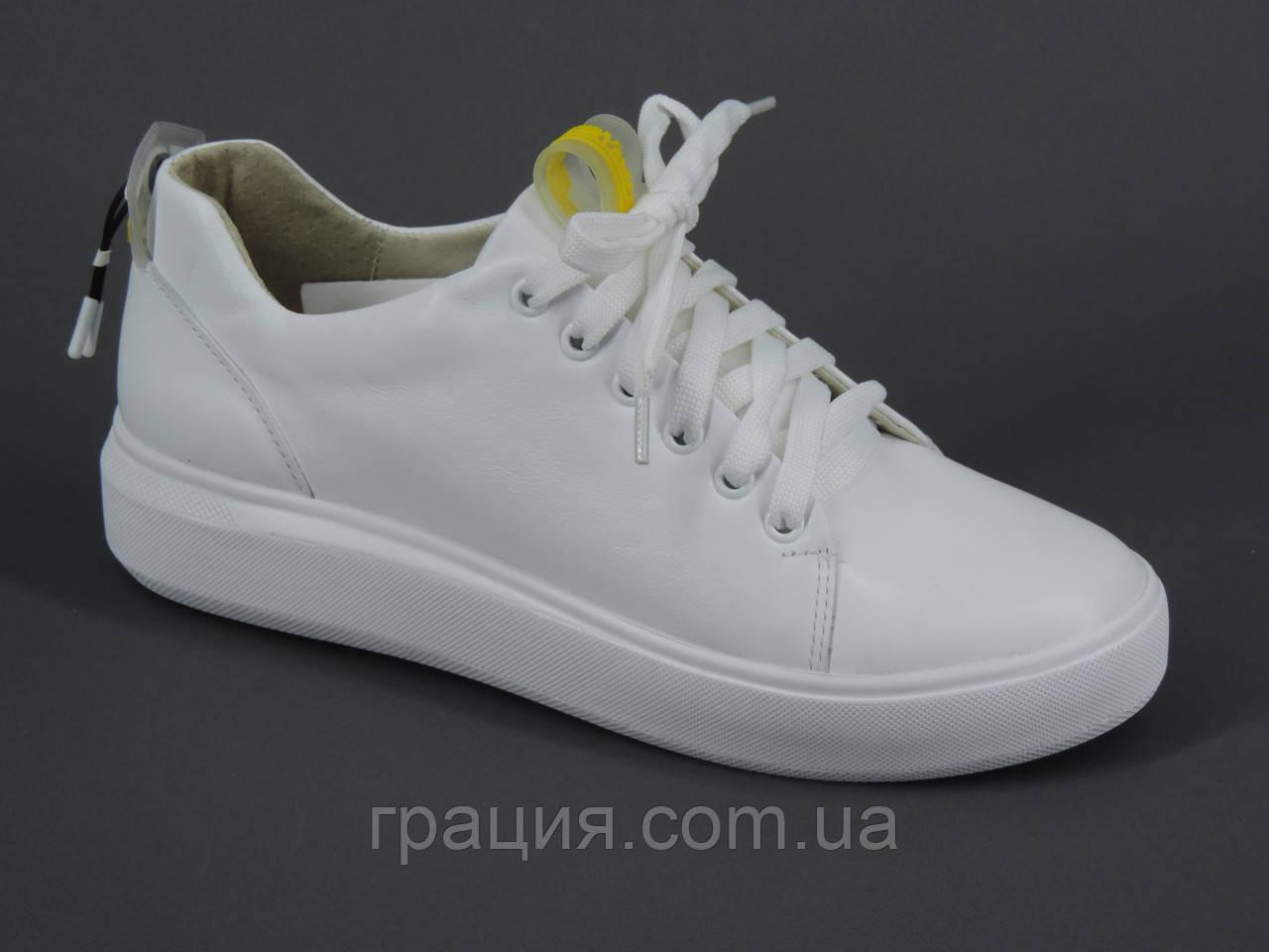 Женские модные кроссовки из натуральной кожи белые