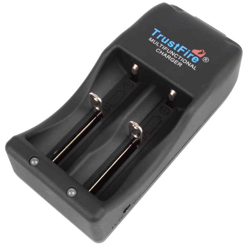 Зарядний пристрій TrustFire TR-006 для літієвих акумуляторів