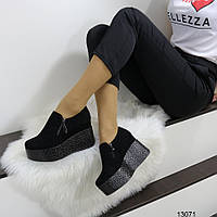 Женские туфли полуботинки с молниями на танкетке и платформе  черные замшевые, фото 1